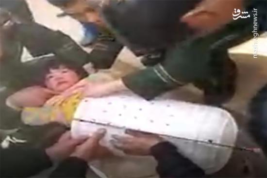 فیلم/ نجات دختر بچه بازیگوش از داخل ماشین لباسشویی