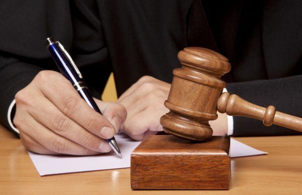 رای پرونده متهمان پیش فروش خودرو صادر شد / رد مال ، حبس و جزای نقدی رای دادگاه برای متهمان