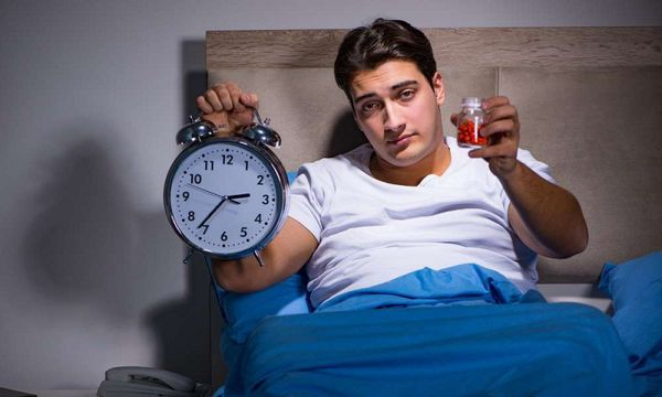3 ویتامین که کمک میکنند بهتر بخوابید