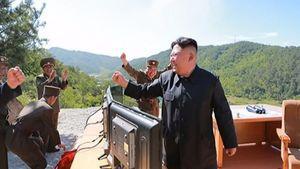 دستخط فرمان موشکی رهبر کره شمالی+عکس