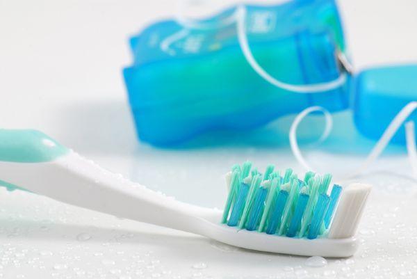 نخ دندان یا خلال دندان؟