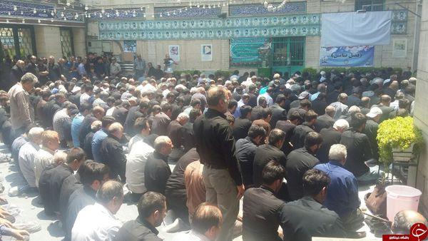 احمدی نژاد پیش از موعد افطار می کند! + عکس
