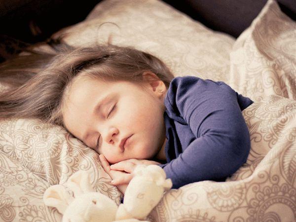 مراقب خواب کودک مان باشیم