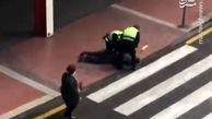 فیلم/ برخورد خشن پلیس اسپانیا با ناقضان قرنطینه