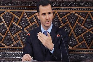 """فیلم/ افت فشار """"بشار اسد"""" هنگام سخنرانی"""