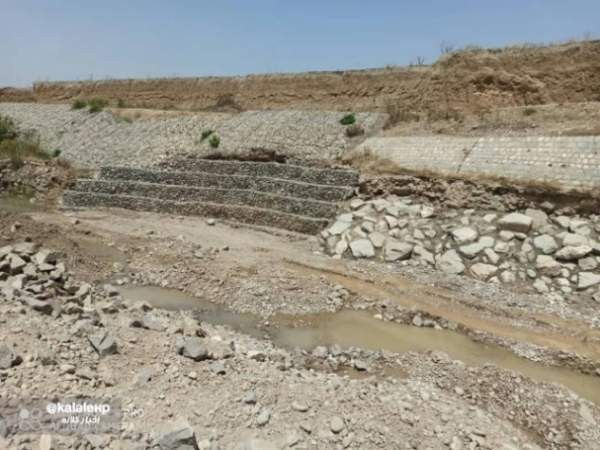 برداشت غیرمجاز سنگ شکن ها باعث تخریب دیواره پل کوسه شد