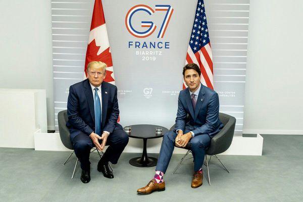سوژه شدن جوراب نخستوزیر کانادا + عکس
