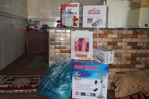 توزیع کمکهای خیرین ایرانی مقیم آمریکا به سیل زدگان آق قلا