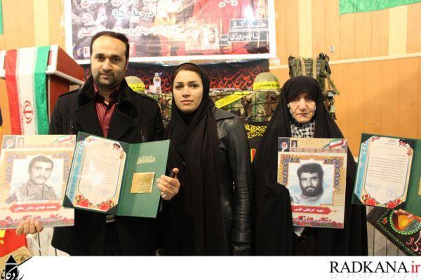 خانواده های شهدای کارگری کردکوی تجلیل شدند+تصاویر