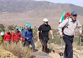 همایش کوهنوردی با صعود کوهنوردان گلستانی به قله 3204متری پیرگردکوه