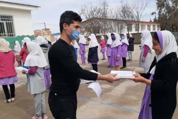 توزیع ۱۷۰۰ بسته لوازم التحریر بین کودکان و نوجوانان روستاهای کمتر توسعه یافته گلستان