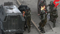 فیلم/ لحظه آتش گرفتن دو پلیس زن شیلی
