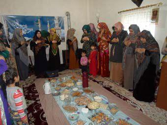 تصاوير/ مولود خواني زنان ترکمن در روستاي قره كيله گميشان