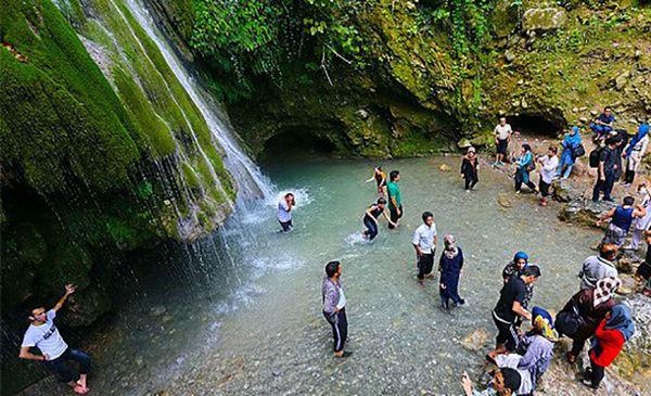 بازدید مسافران نوروزی از جاذبه های دیدنی علی آباد کتول