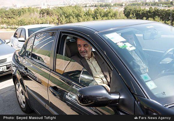 عکس/ وزیر ورزش چه ماشینی سوار می شود؟
