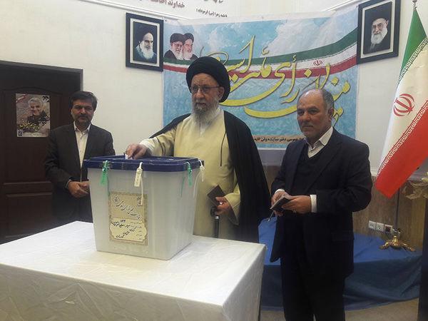 امام جمعه گرگان: رای هر ایرانی تیری بر قلب ترامپ است