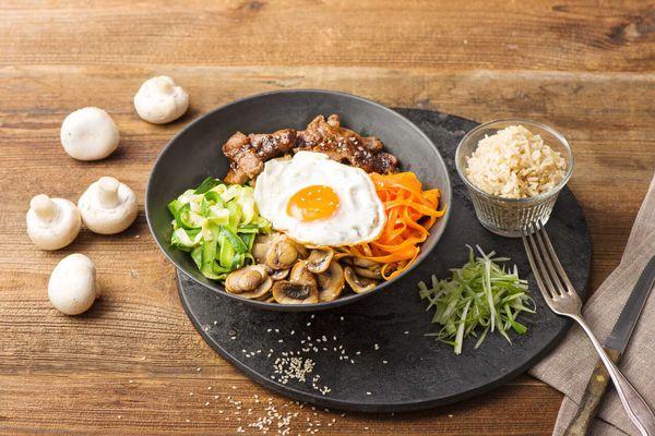 ۱۰ ماده غذایی که غذاهایتان را خوشمزهتر میکند