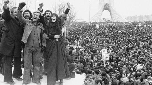 انقلاب اسلامی فجری است که بامدادی در پی دارد