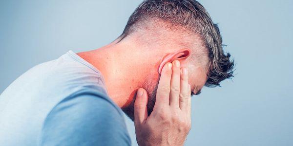 علت زنگ زدن گوش ها چیست؟