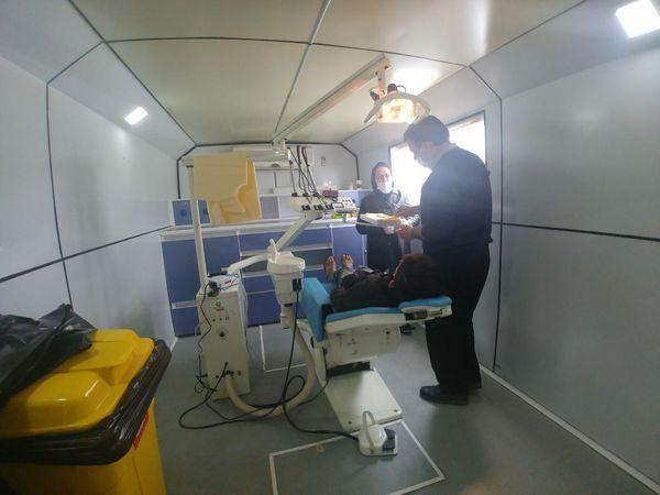 خدمات دندانپزشکی بیمارستان صحرایی نیروی زمینی سپاه در مناطق سیل زده