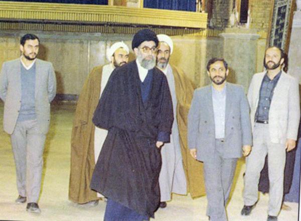 چرا آیت الله خامنهای در جماران مستقر نشد