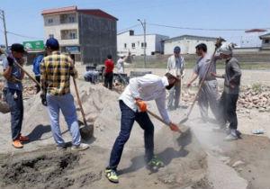 فعالیت  نیروی های جهادی در مناطق سیل زده استان