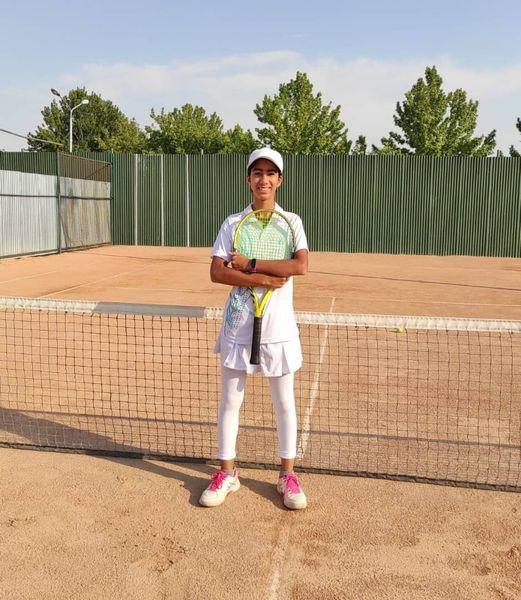 پیروزی غزل رضا زاده از گلستان در مسابقات انتخابی تیم ملی تنیس