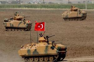 فیلم/ سرازیر شدن تانکهای ترکیه به مرز یونان!