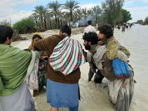 حضور پزشکان بسیجی در مناطق سیلزده / آمادگی ارسال تجهیزات درمانی و دارو