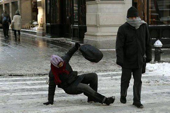 چگونه بر روی برف راه برویم +عکس