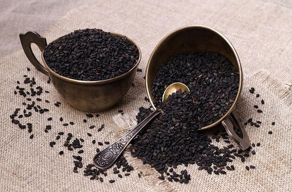 ۹۰۰ تن سیاهدانه از مزارع گلستان برداشت شد