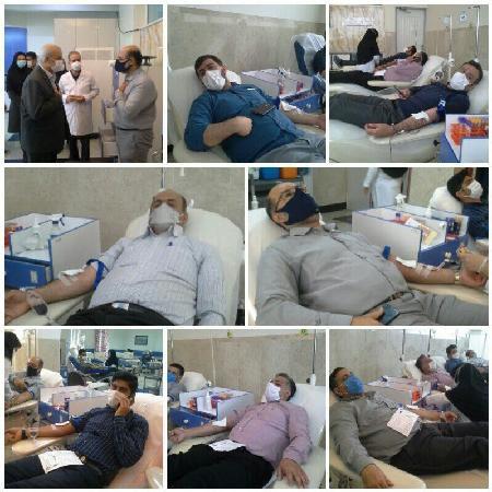 اهدای خون مدیرکل وکارکنان آب منطقه ای گلستان برای نجات جان بیماران
