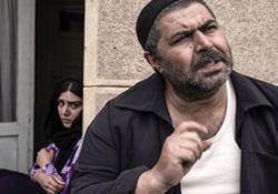 """کنایههای نیشدار به خانوادههای مذهبی در فیلمفارسی مدرن """"کوچههای بینام"""""""