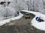 یخ زدگی در جاده های گلستان و اردبیل/رانندگان از زنجیر چرخ استفاده کنند