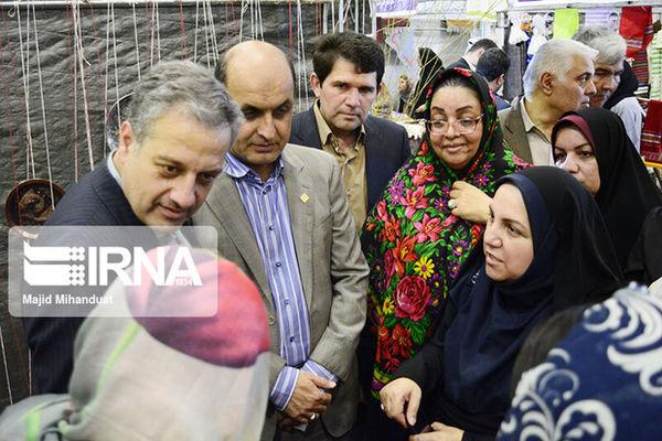 نمایشگاه زنان با رویکرد اشتغال و توانمندی سیل زدگان آق قلا در گرگان برپا شد