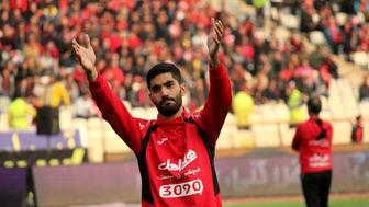 مدافع سرخ پوشان در انتظار تصمیم نهایی مدیران باشگاه