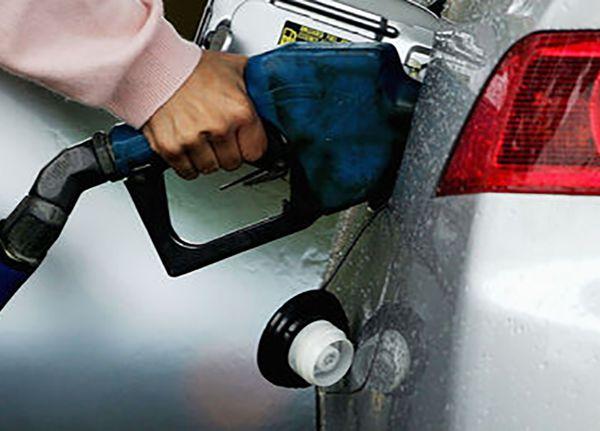ایرانیها چند میلیون لیتر بنزین اضافه مصرف میکنند؟