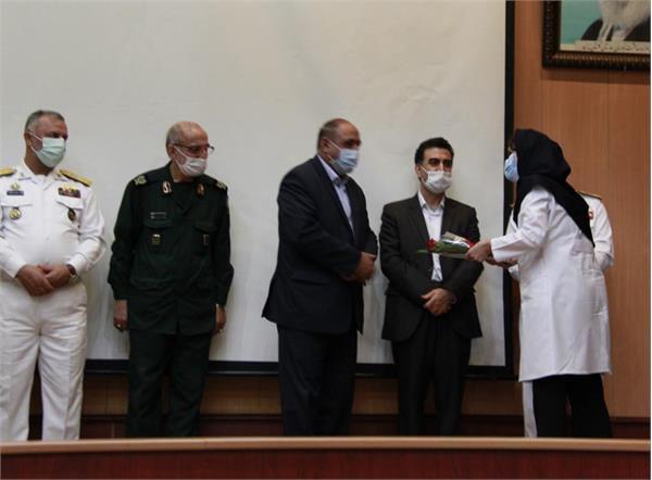 تقدیر از سفیر فرهنگ سلامت پایتخت در مراسم تجلیل از شهدای مدافع سلامت