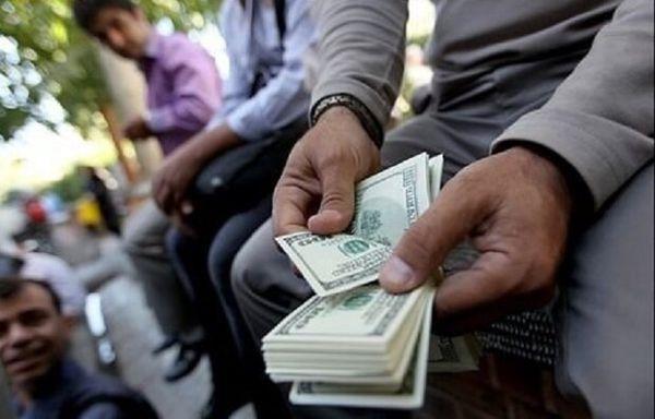 چه کسانی مسببان دلار ۳۰ هزار تومانی هستند؟