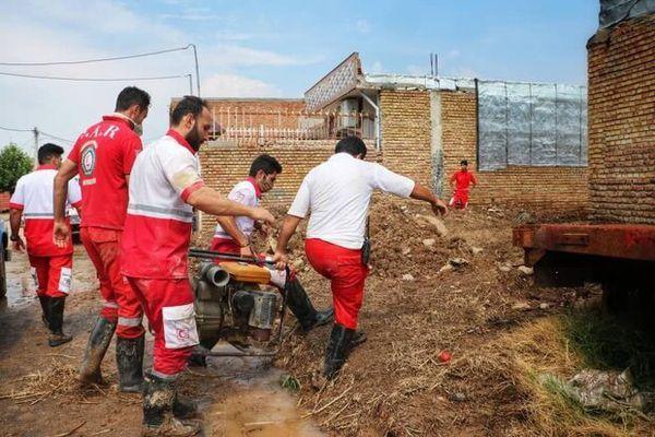 خدمت رسانی به ۵۶۸ حادثه دیده سیل گلستان/ توزیع اقلام ادامه دارد