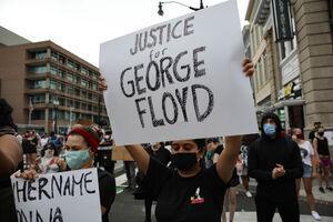 فیلم/ بازداشت دو نوجوان سیاهپوست با شوکر!