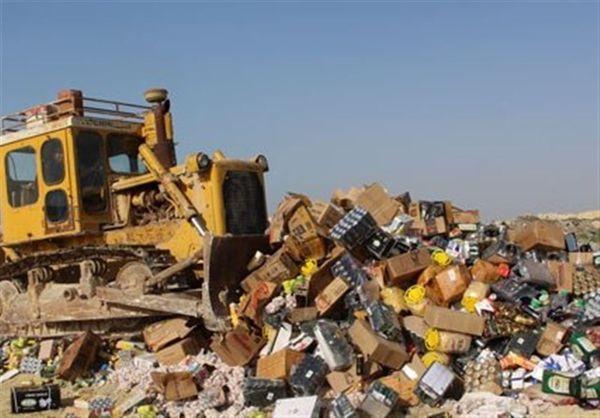 کشف انواع مواد غذایی فاسد در آزادشهر