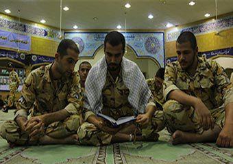 تصاویر/ احیای شب 21 ماه رمضان با سربازان لشکر 30 پیاده گرگان