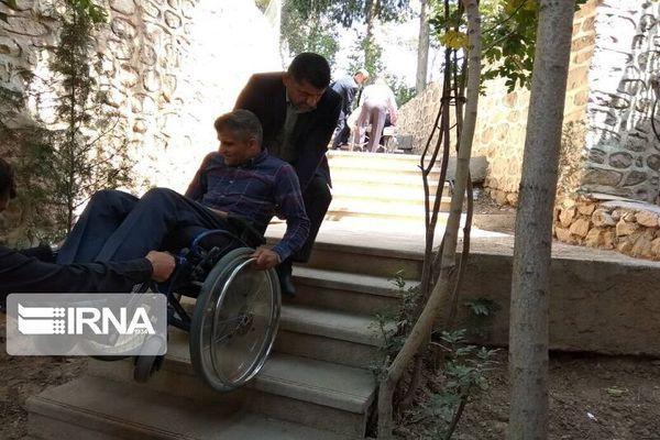معابر شهری گنبدکاووس برای تردد معلولان مناسب نیست