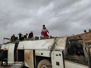 فیلم/ محل واژگونی مرگبار اتوبوس در اصفهان