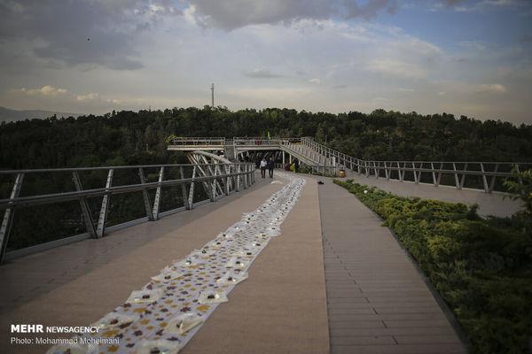 افطاری ساده روی زیباترین پل ایران + فیلم