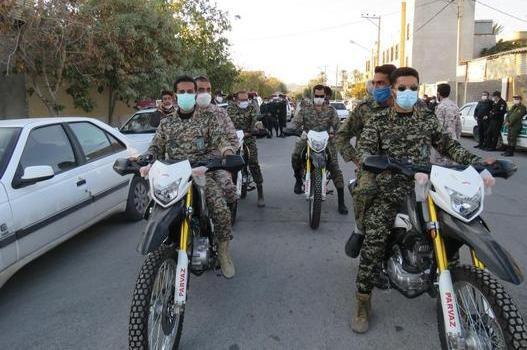 کمک گشت های موتوری بسیج برای خرید مایحتاج بیماران کرونایی