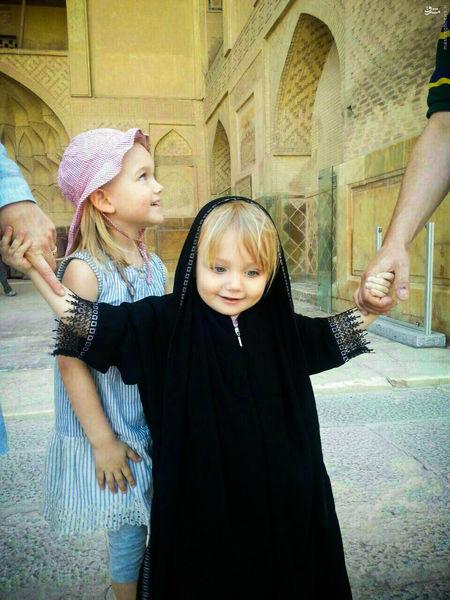 عکس/ حجاب دختر فرانسوی در اصفهان