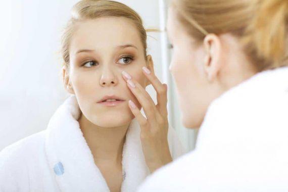 با دیدن این 5 نشانه، روش مراقبت از پوستتان را تغییر دهید