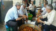 توزیع غذای نذری بین نیازمندان در عید غدیر